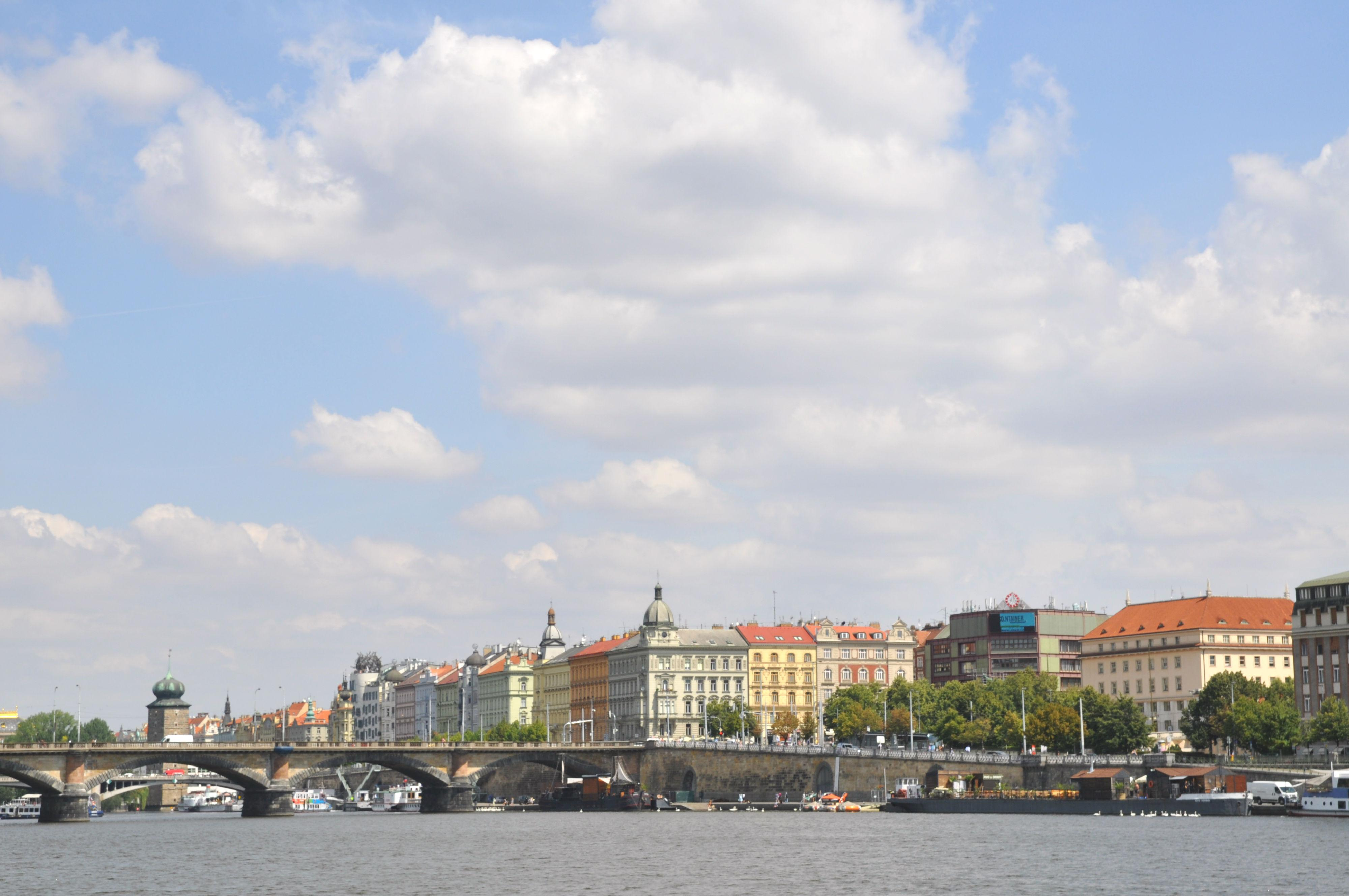Знакомства Русских В Праге